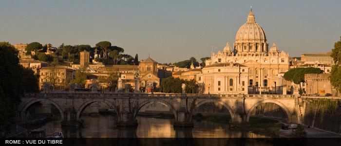 Rome vue Tibre1 700x300